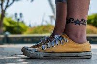 tatuaż nad kostką